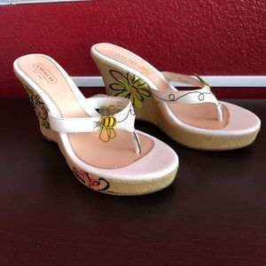 Coach bubble bee wedges